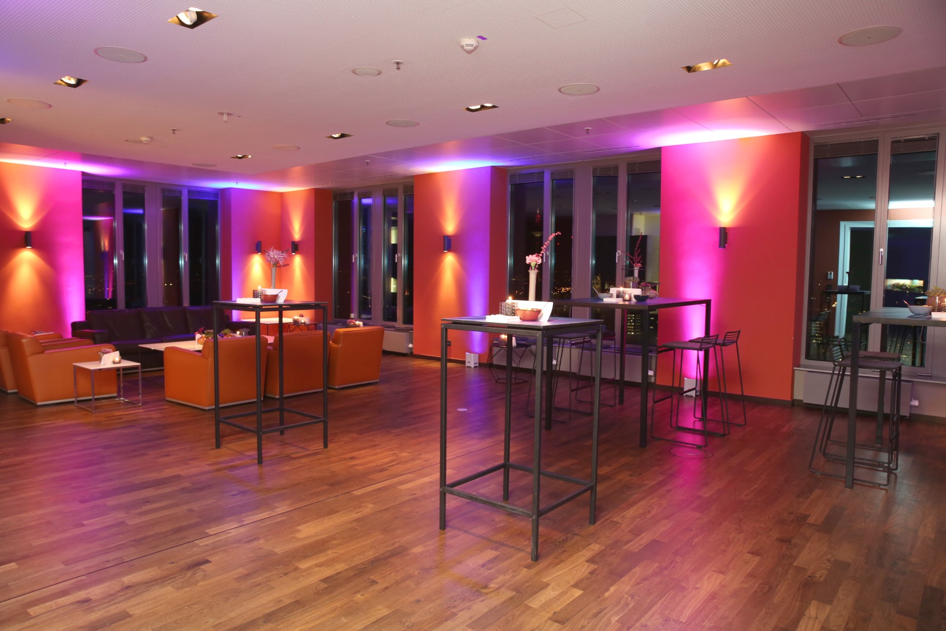 Ladies summer lounge at our Frankfurt location.