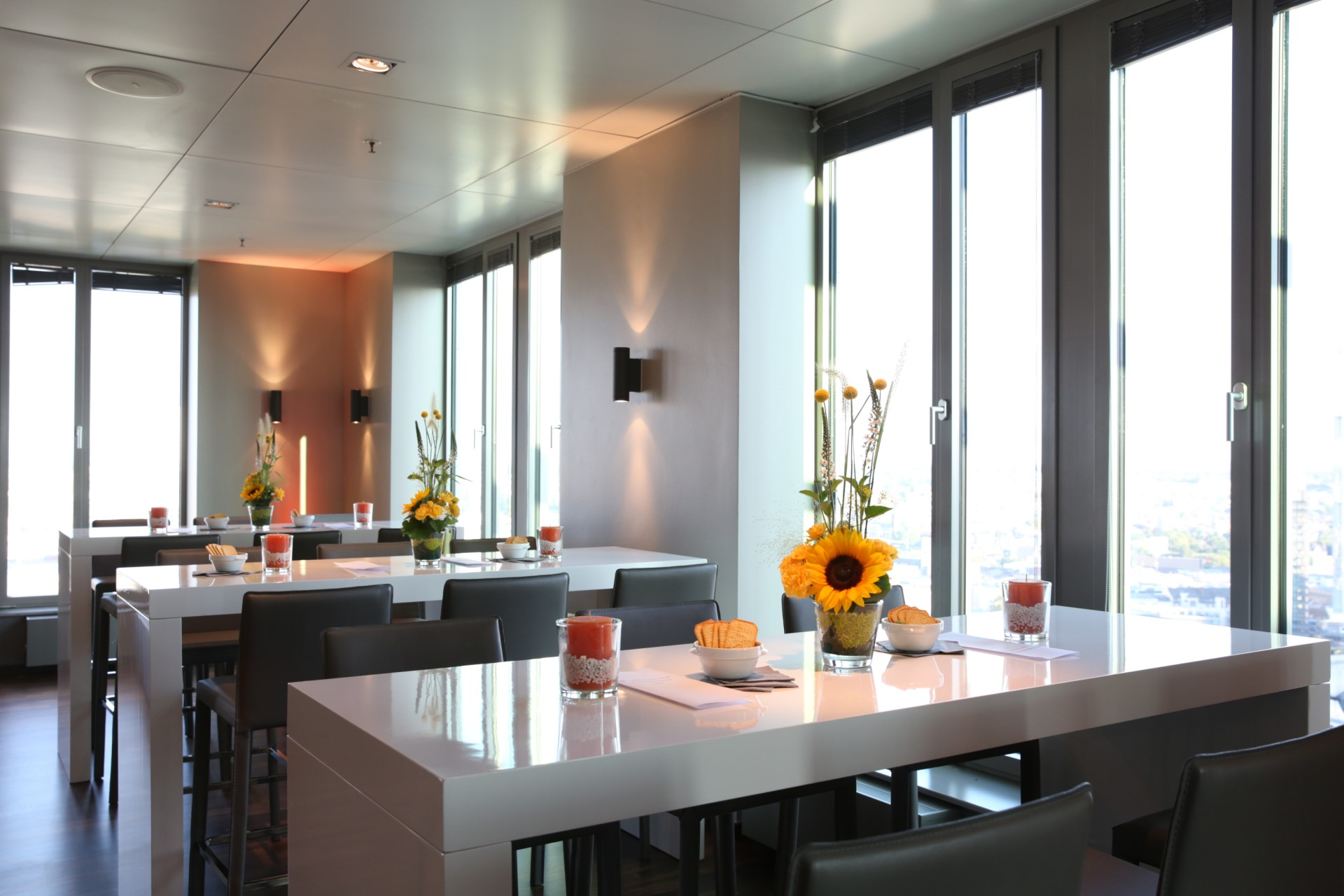 Ladies summer lounge at our Frankfurt location.