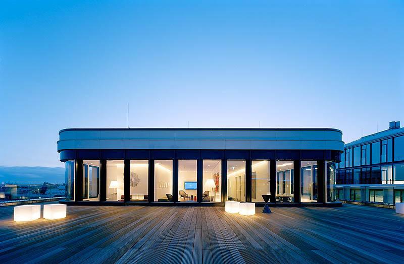 Wonderful atmosphere on our rooftop terrace in Hamburg.